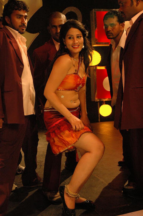 Ajju for Item Song Photo Gallery AbrOuuZi