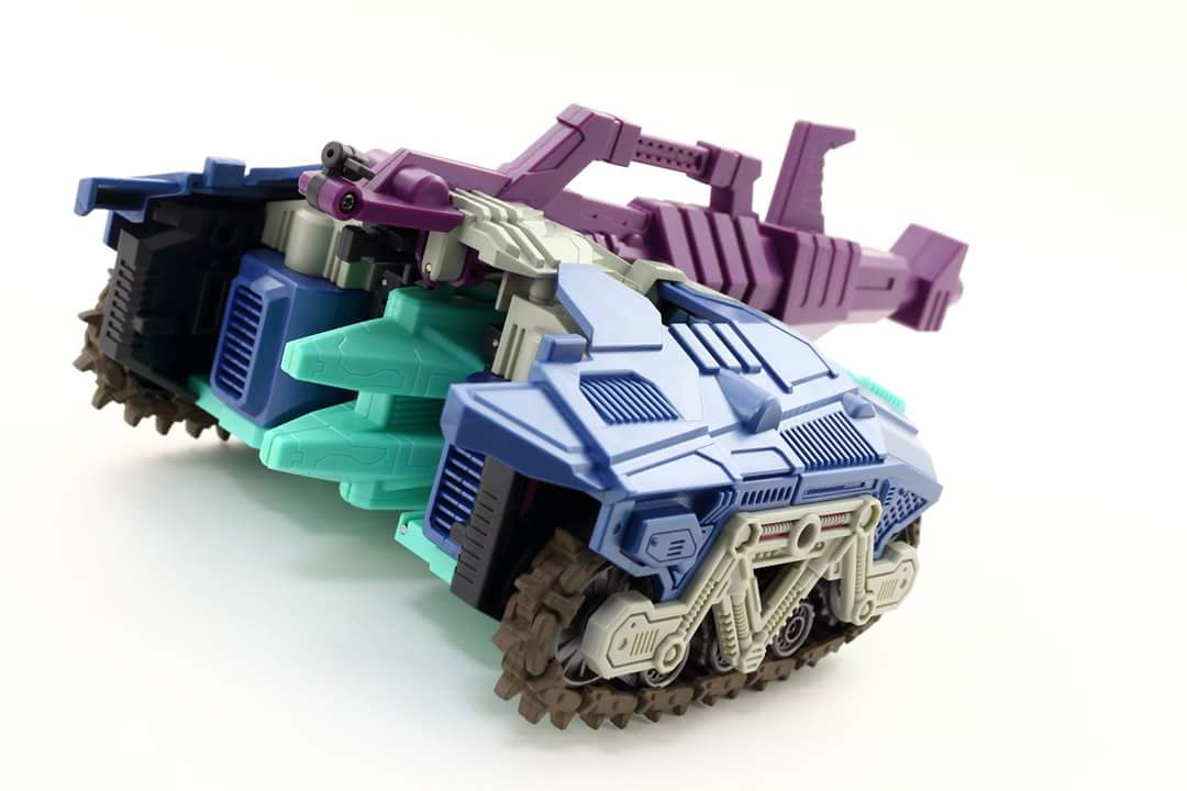 [Mastermind Creations] Produit Tiers - R-17 Carnifex - aka Overlord (TF Masterforce) - Page 3 NMRR3Wuc