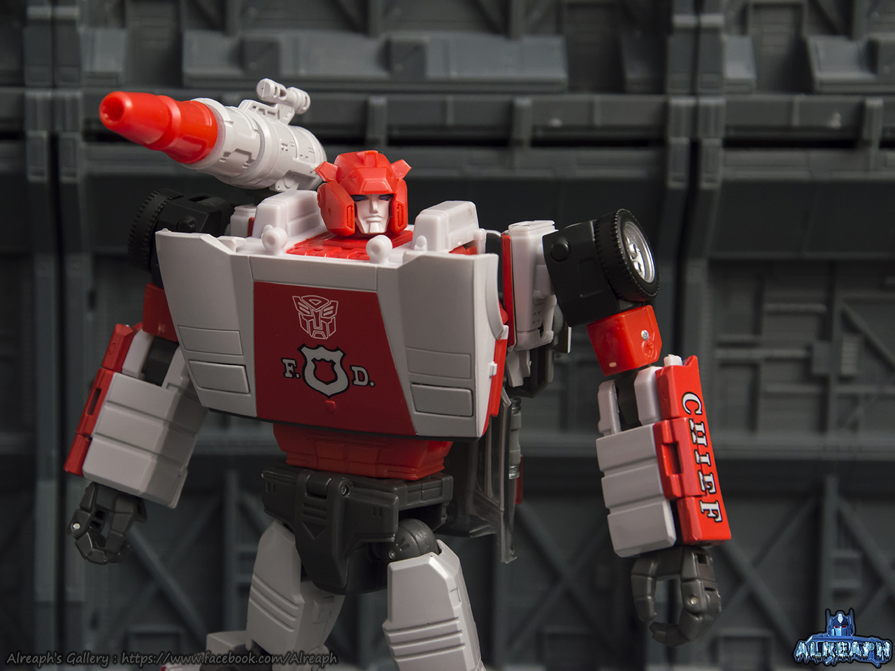 [Masterpiece] MP-14 Red Alert/Feu d'Alerte - Page 2 M5F3HLyS