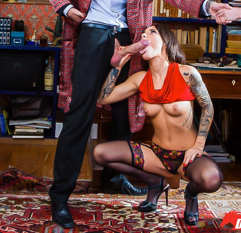 Nikita Bellucci - chupar y coger por el culo