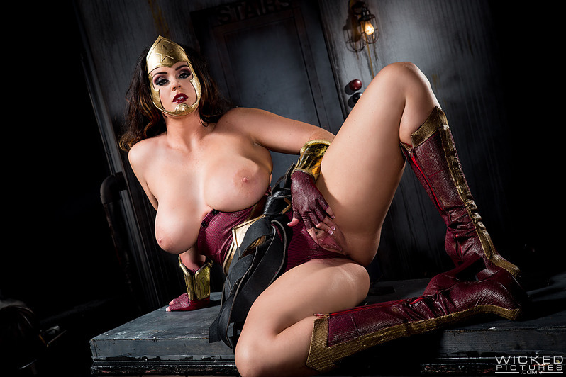 image Hermosa pornstars follada sobre el sofa