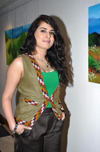 Archana Veda beautiful Necklace stills Abn1ynxu