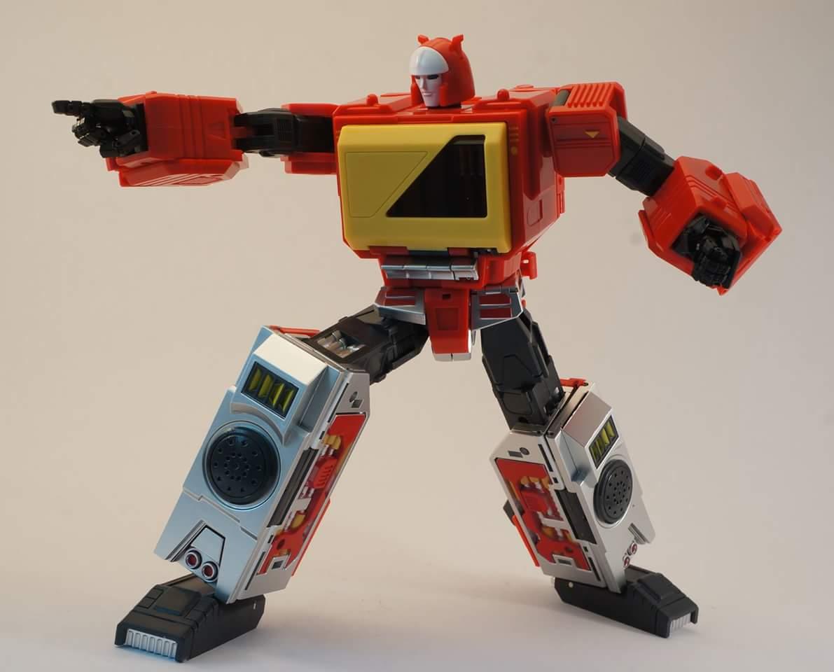 [KFC Toys] Produit Tiers - Jouet Transistor (aka Blaster/Tempo) + DoubleDeck (Twincast) + Fader (aka Eject/Éjecteur) + Rover (aka Autoscout) - Page 2 ZZSKM6bg