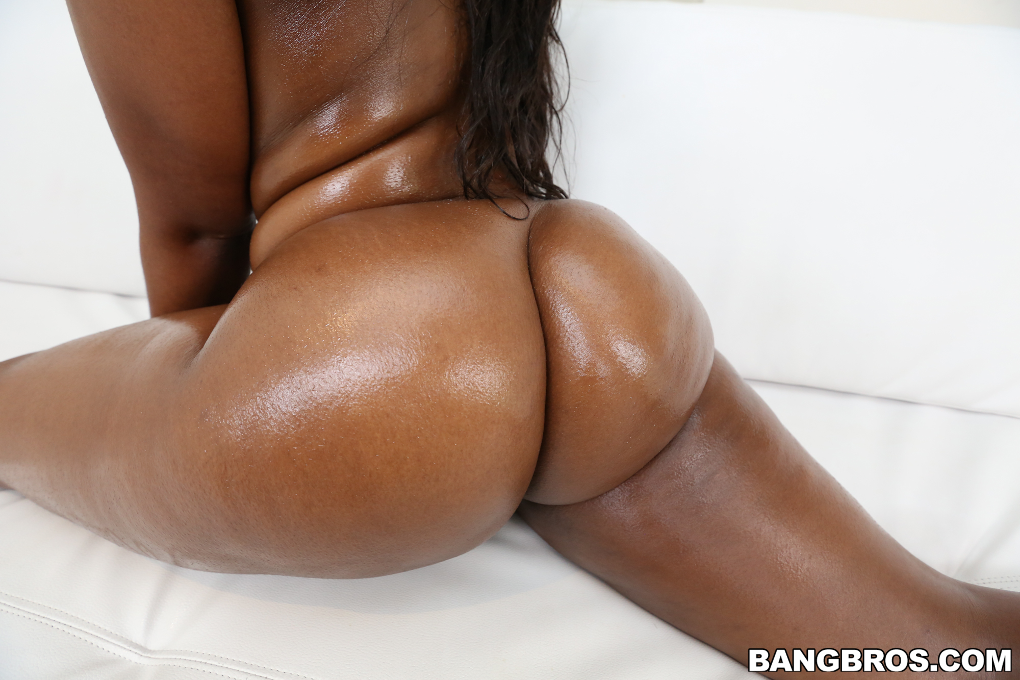 Nina Rotti muestra su conchita de chocolate amargo
