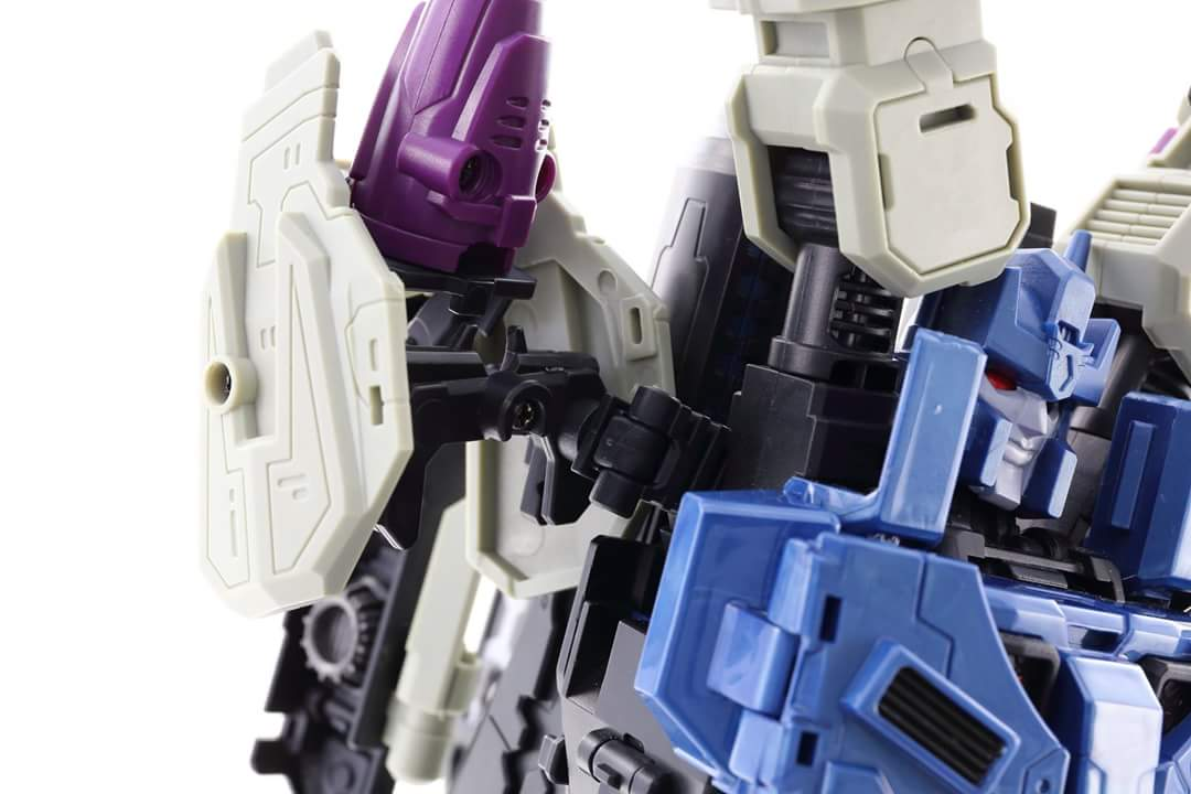[Mastermind Creations] Produit Tiers - R-17 Carnifex - aka Overlord (TF Masterforce) - Page 3 GoJ05uSY