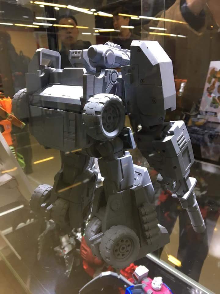 [FansHobby] Produit Tiers - Master Builder MB-07 Gun Buster - aka Roadbuster/Cahot des Wreckers IDW JPNUzgv4