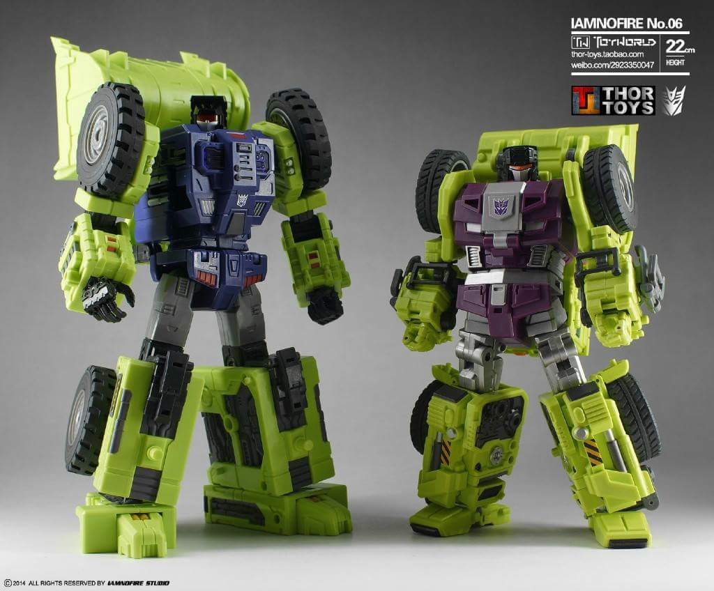 [Toyworld] Produit Tiers - Jouet TW-C Constructor aka Devastator/Dévastateur (Version vert G1 et jaune G2) - Page 5 USuW5VRr
