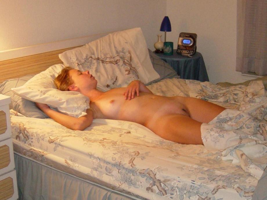 Мамаши спят голые фото