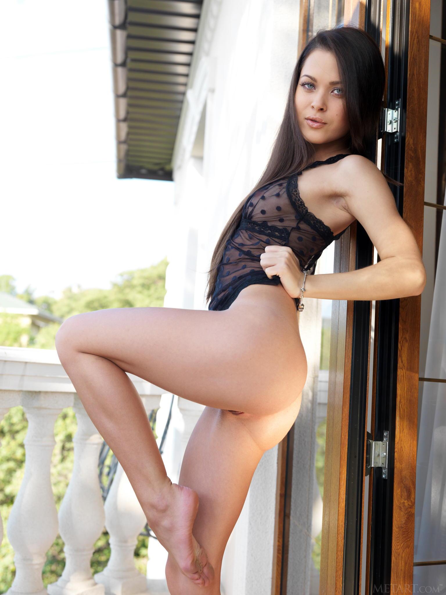 Amelie B - El arte de mostrar la conchita