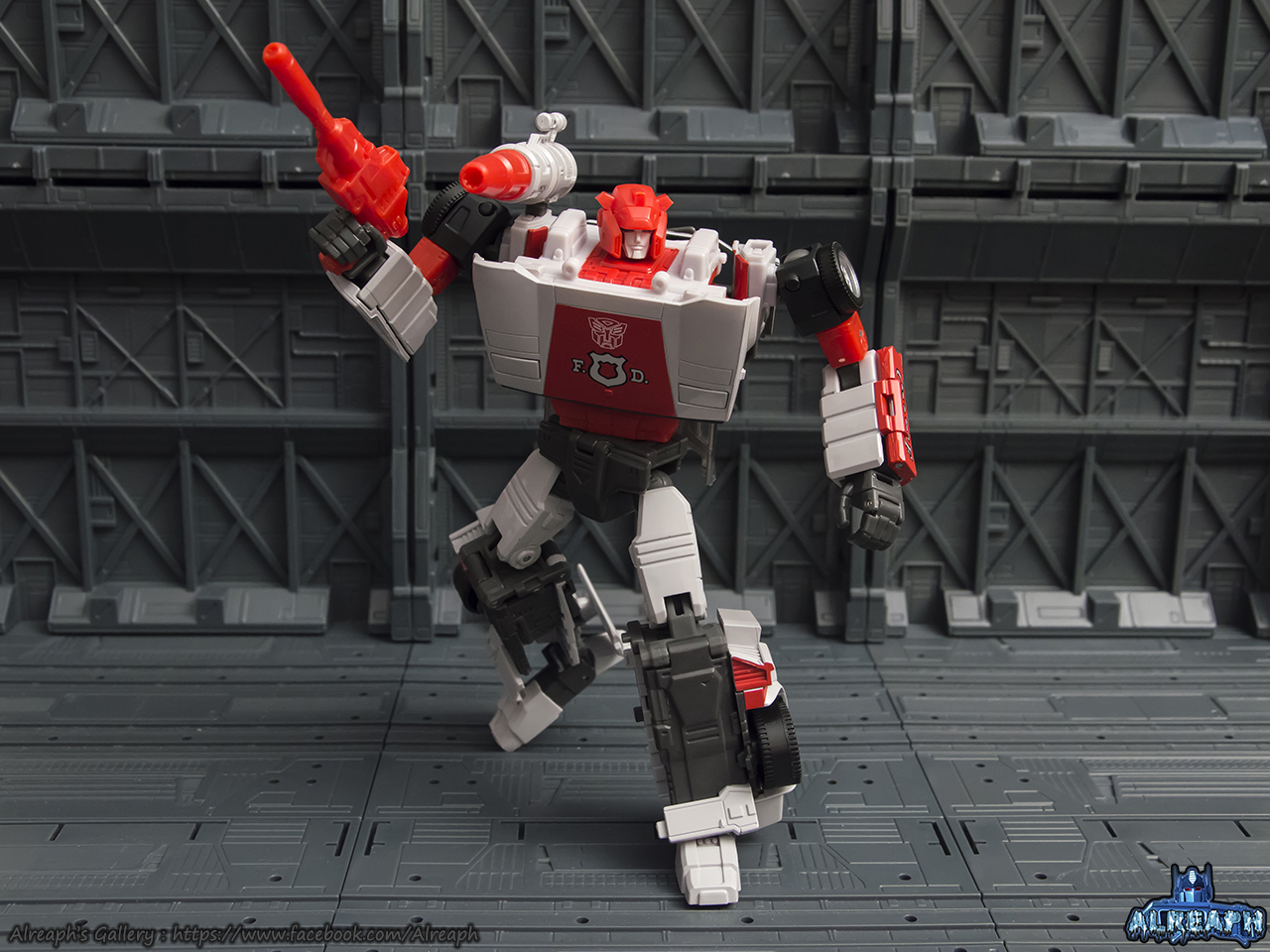 [Masterpiece] MP-14 Red Alert/Feu d'Alerte - Page 2 JObdRqSF