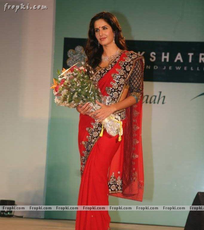 Katrina Kaif sizzling photos in red Saree Abh5fjl4