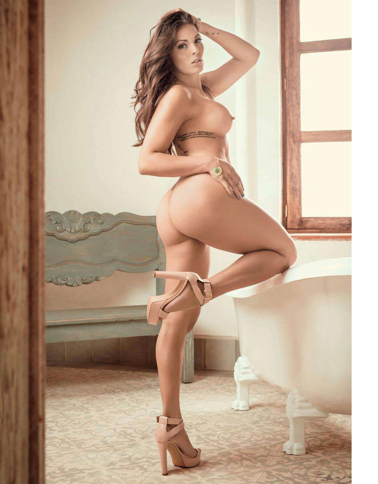 junio nudes