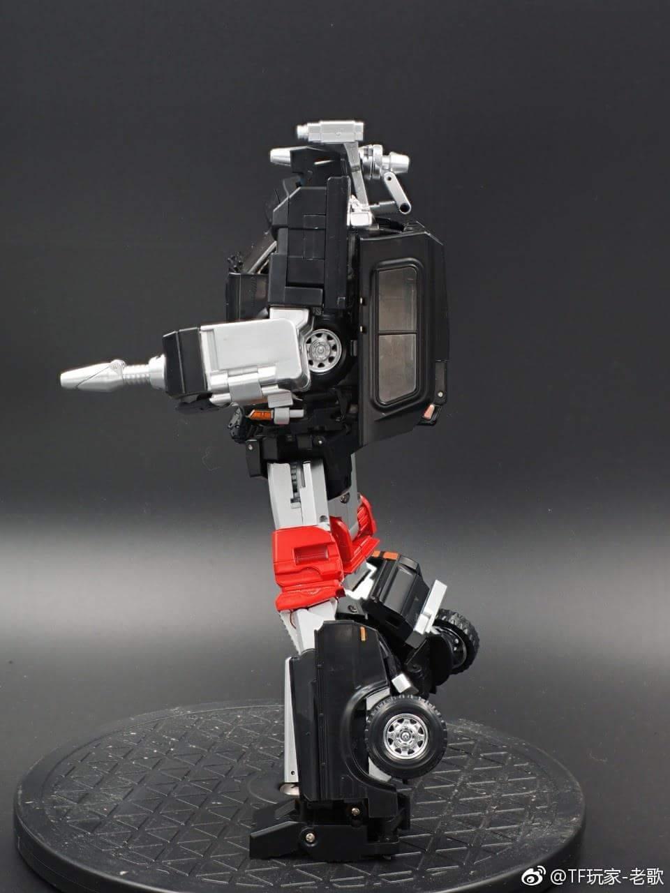 [X-Transbots] Produit Tiers - Jouet MX-VIII Aegis - aka Trailbreaker/Glouton UvCEE2Sd