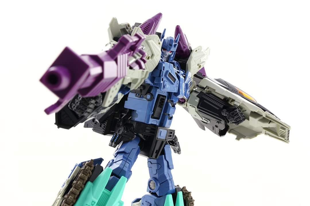 [Mastermind Creations] Produit Tiers - R-17 Carnifex - aka Overlord (TF Masterforce) - Page 3 Mb439GzM