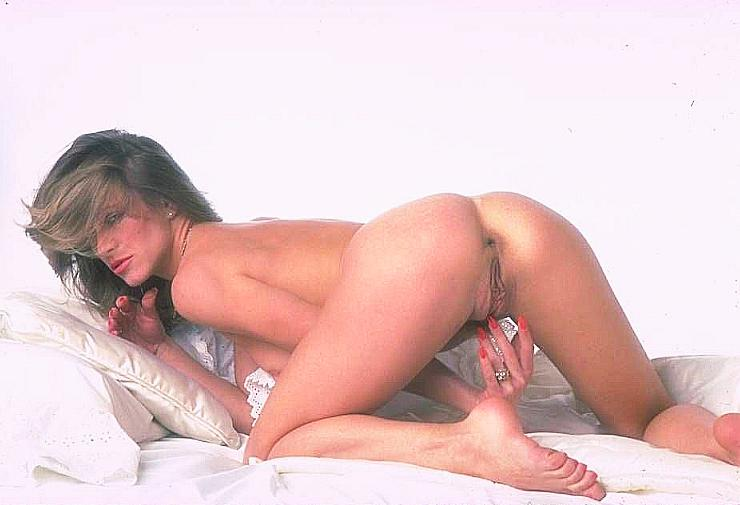 Nude pics blonde