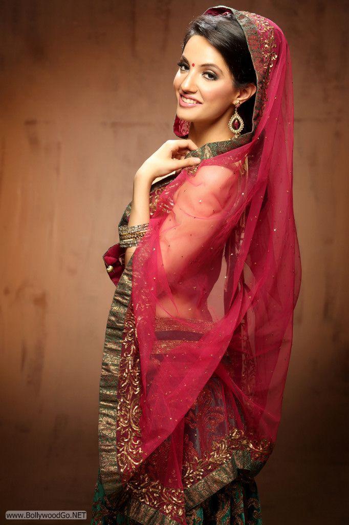 Actress and Model Lekhika Sizzles in Portfolio Photoshoot Abv1hcmz
