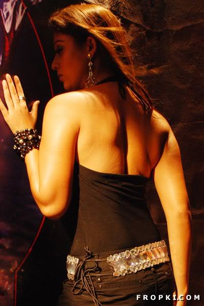 Nayantara Sexy Bare Back photos AdkKOr6p