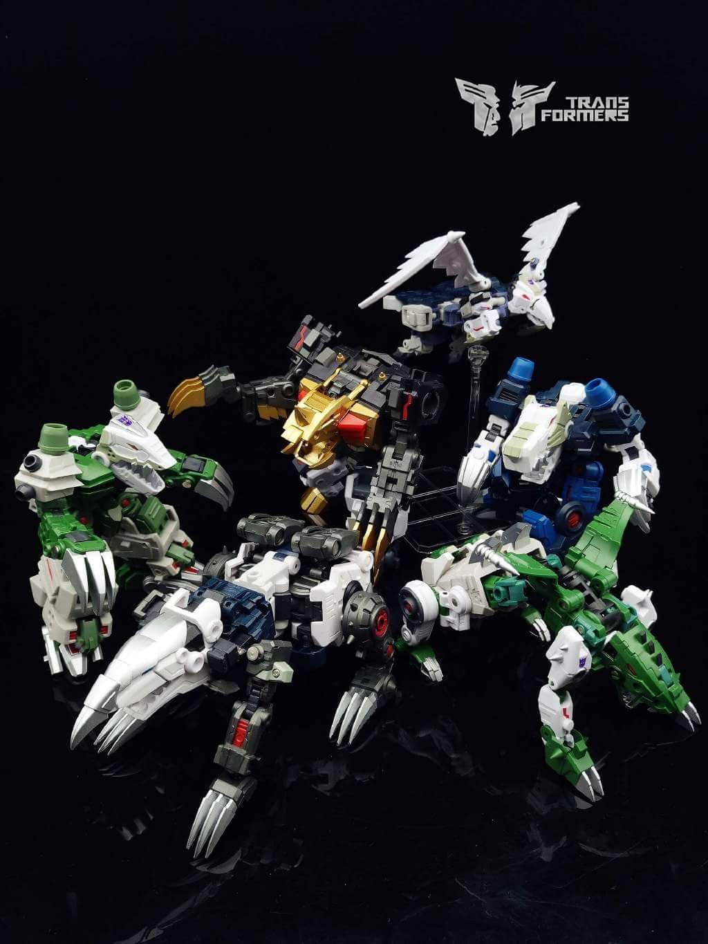 [FansProject] Produit Tiers - Jouet Saurus Ryu-oh aka Dinoking (Victory) | Monstructor (USA) - Page 2 6M0UM4s3
