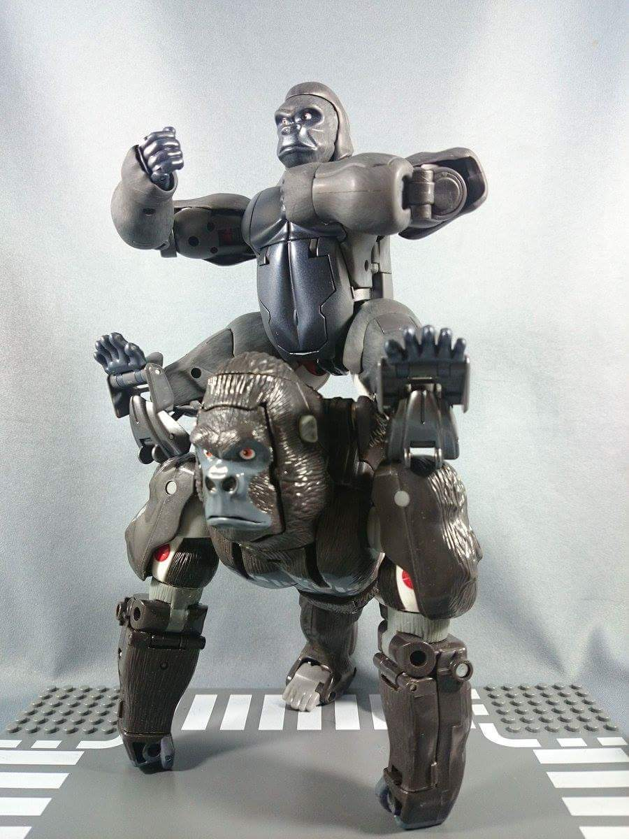 [Masterpiece] MP-32, MP-38 Optimus Primal et MP-38+ Burning Convoy (Beast Wars) - Page 3 KvzeO9hf