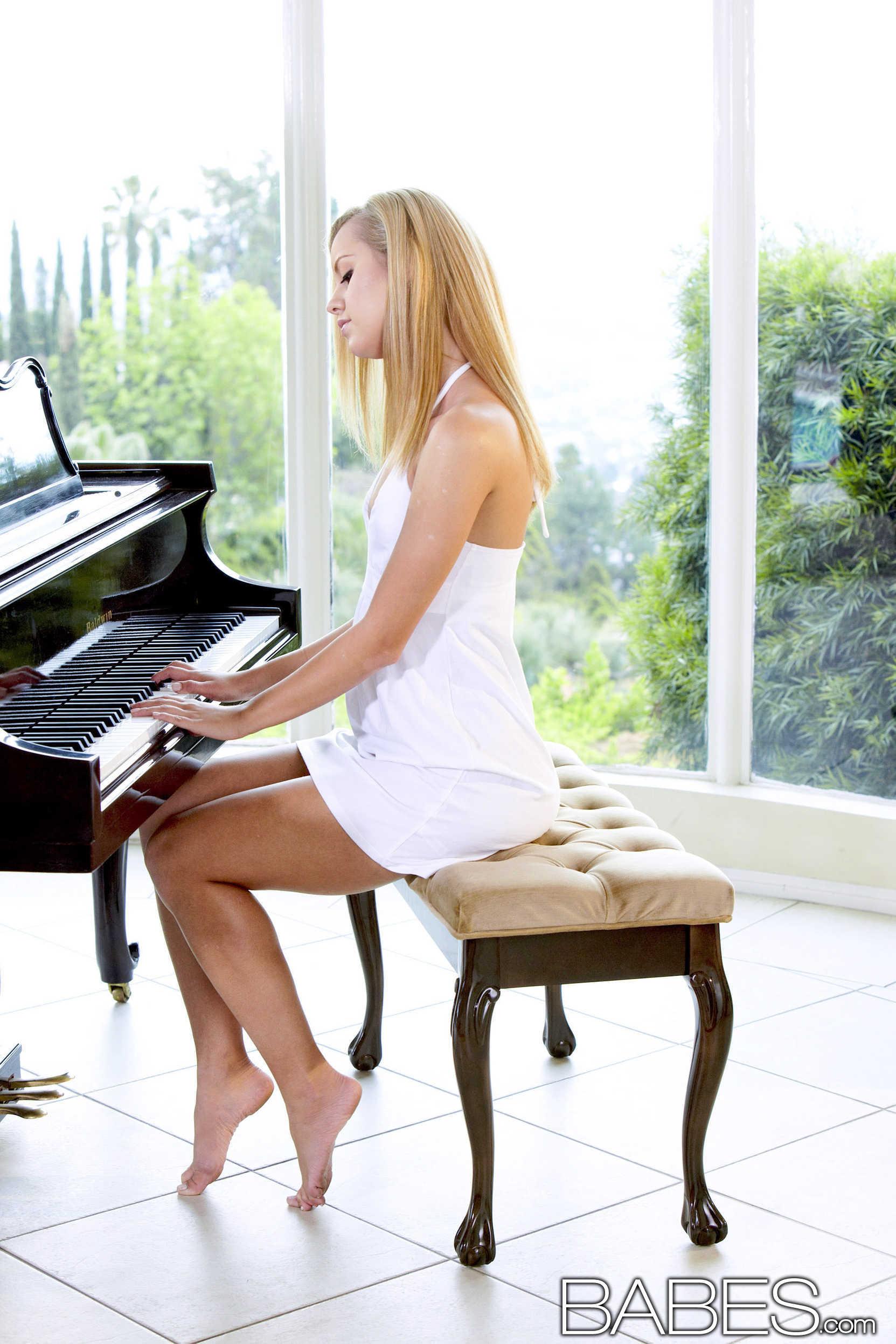 La rubia pianista