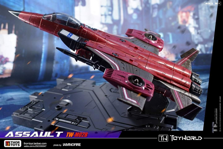 [ToyWorld] Produit Tiers - TW-M02A Combustor (Ramjet/Statoréacto), TW-M02B Assault (Thrust/Fatalo), TW-M02C Requiem (Dirge/Funébro) - Page 3 Iaezj3KM