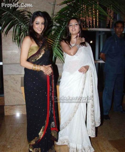 Riya and Raima Sen Looking Hot in saree AclzUOXF