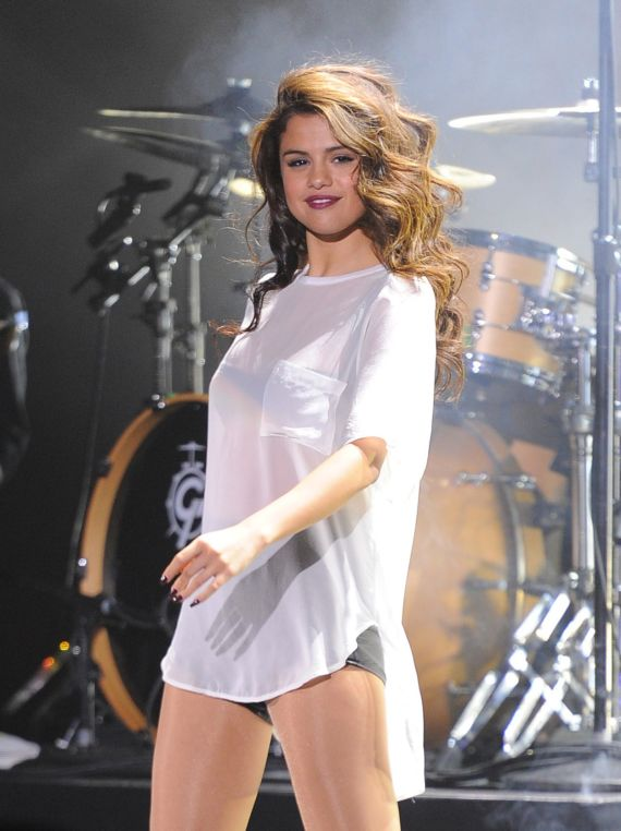 Selena Gomez Cute Performance At Stars Dance Tour AdkJPCaO