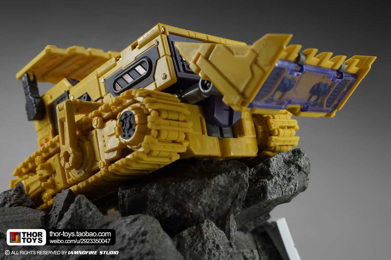 [Toyworld] Produit Tiers - Jouet TW-C Constructor aka Devastator/Dévastateur (Version vert G1 et jaune G2) - Page 8 KPE0wM3K