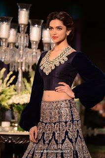 Deepika Padukone at PCJ Delhi Couture Week 2013 AclPgYOa