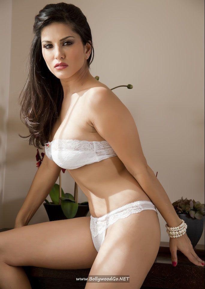 sunny leone nude in white bra