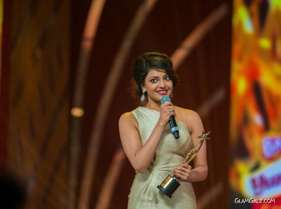 Kajal Agarwal At SIIMA Movie Awards 2013 AdoEfEFD