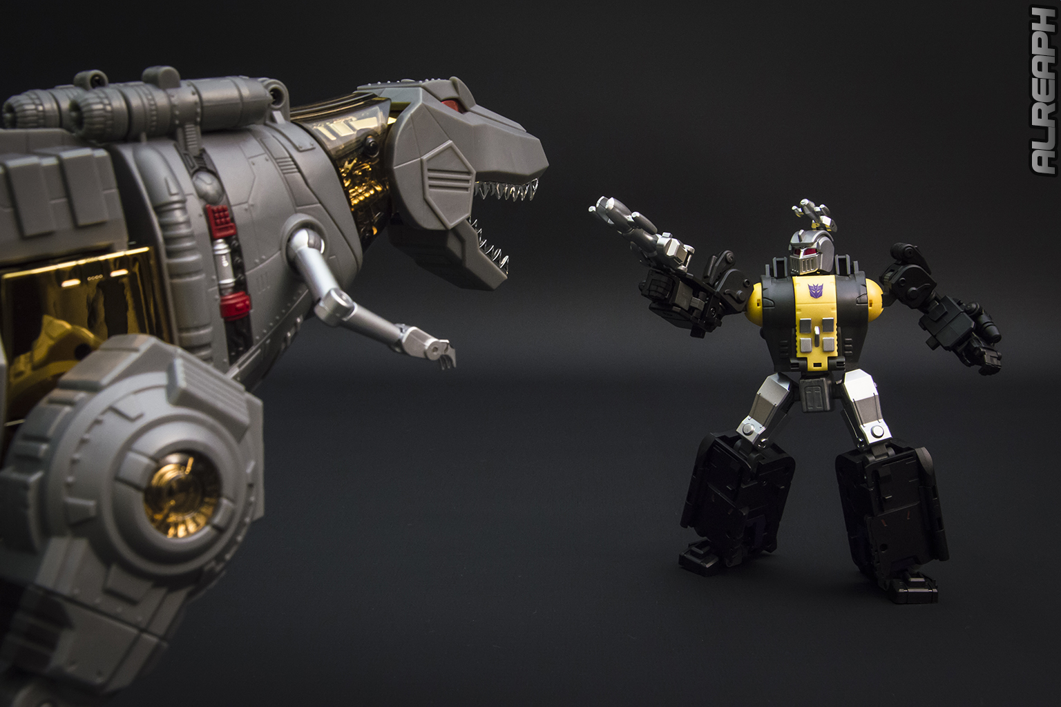 [Fanstoys] Produit Tiers - Dinobots - FT-04 Scoria, FT-05 Soar, FT-06 Sever, FT-07 Stomp, FT-08 Grinder - Page 12 AHPmAq0Y