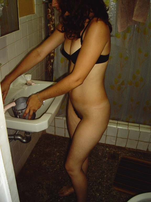 behavior of an extremely horny women