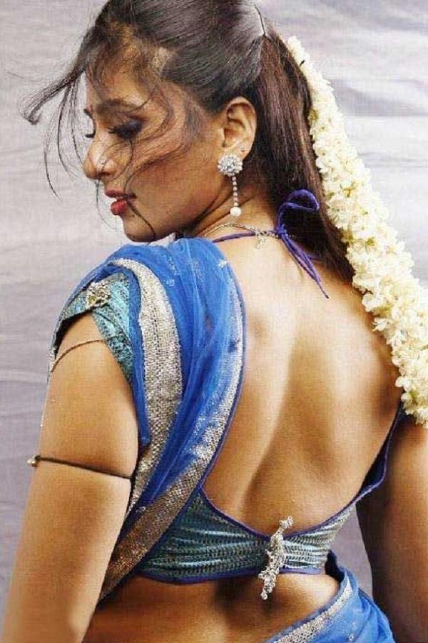 Anushka Shetty Hot in Saree#3 7 images AcerO2gz