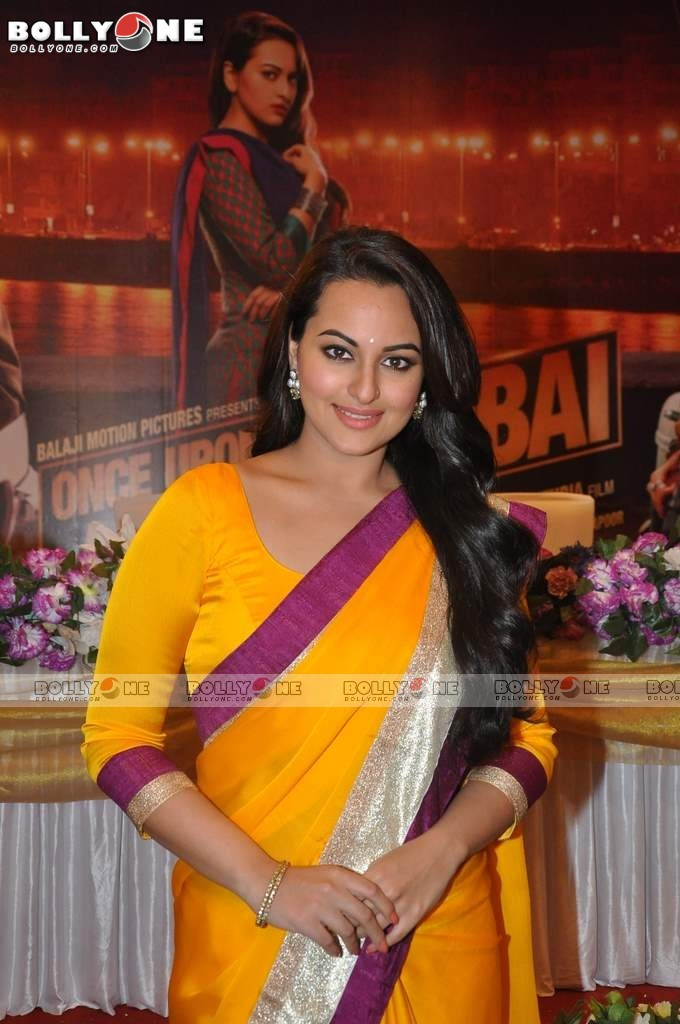 Sonakshi and Imran on the sets of CID to Promote 'Once Upon a Time in Mumbaai Dobara' 12 images.txt AbcGa4xw