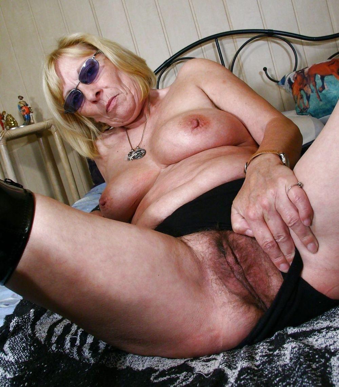 Ancianas Culonas a las abuelas les gusta mostrarse - poringa!