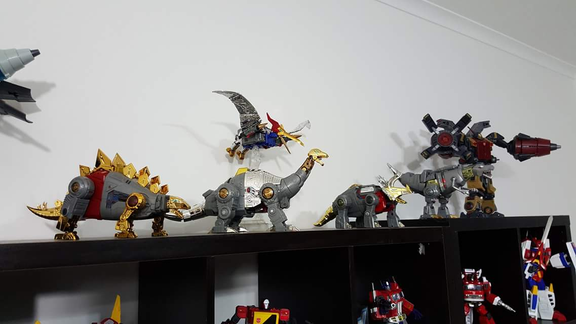 [Fanstoys] Produit Tiers - Dinobots - FT-04 Scoria, FT-05 Soar, FT-06 Sever, FT-07 Stomp, FT-08 Grinder - Page 9 BSPT3ENY
