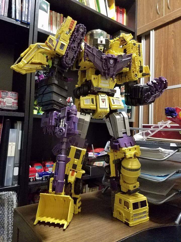 [Toyworld] Produit Tiers - Jouet TW-C Constructor aka Devastator/Dévastateur (Version vert G1 et jaune G2) - Page 8 RJ8EgPHu