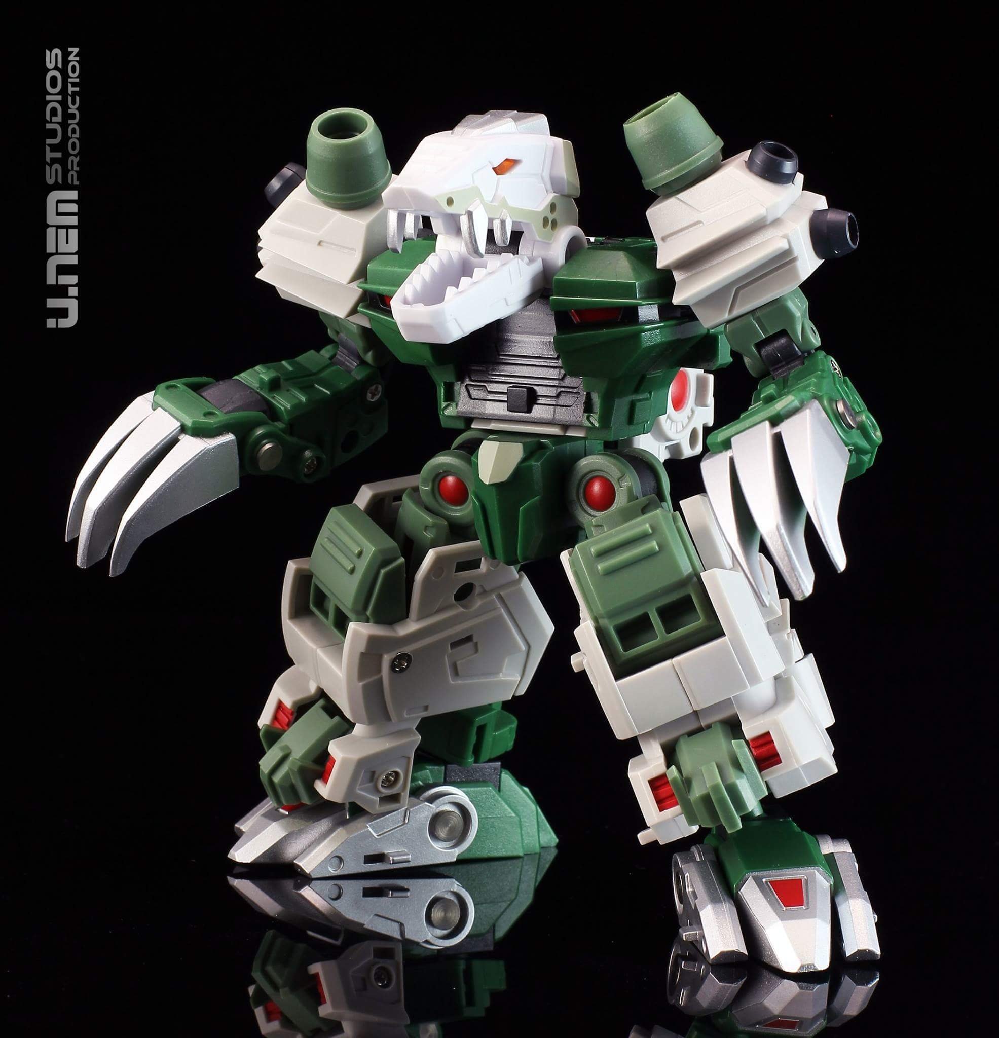 [FansProject] Produit Tiers - Jouet Saurus Ryu-oh aka Dinoking (Victory) | Monstructor (USA) - Page 3 ZUlEqNmO