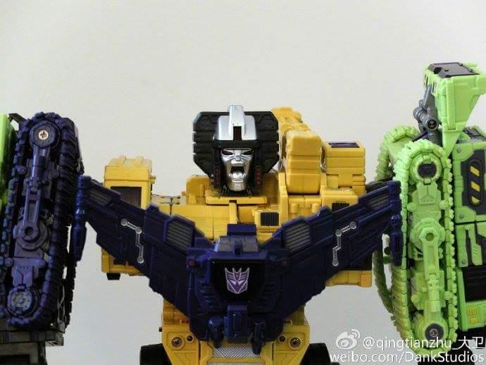[Toyworld] Produit Tiers - Jouet TW-C Constructor aka Devastator/Dévastateur (Version vert G1 et jaune G2) - Page 8 STeB1ypx