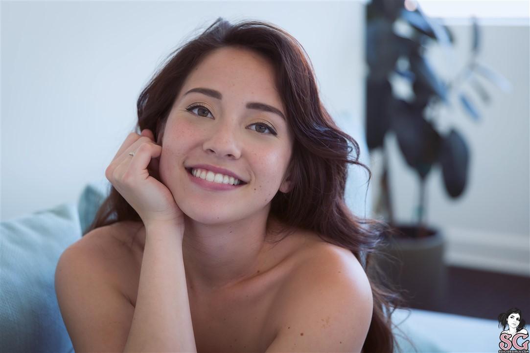 Asami suicide, una suculenta sonrisa
