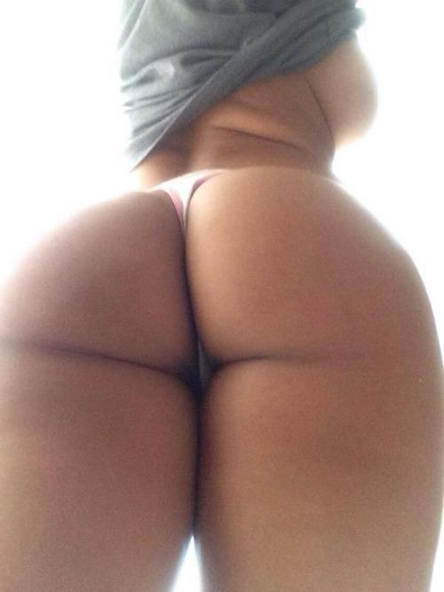 naked grils shacking the butt jpg 1152x768