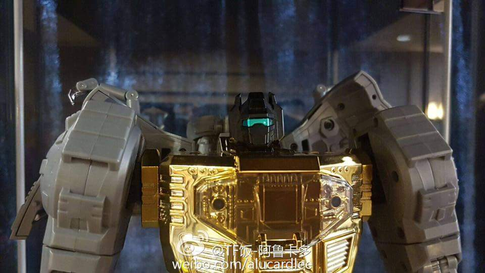 [Fanstoys] Produit Tiers - Dinobots - FT-04 Scoria, FT-05 Soar, FT-06 Sever, FT-07 Stomp, FT-08 Grinder - Page 9 5Pnl3r8L