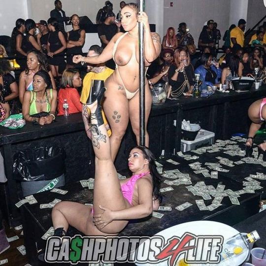 chelas_way nude