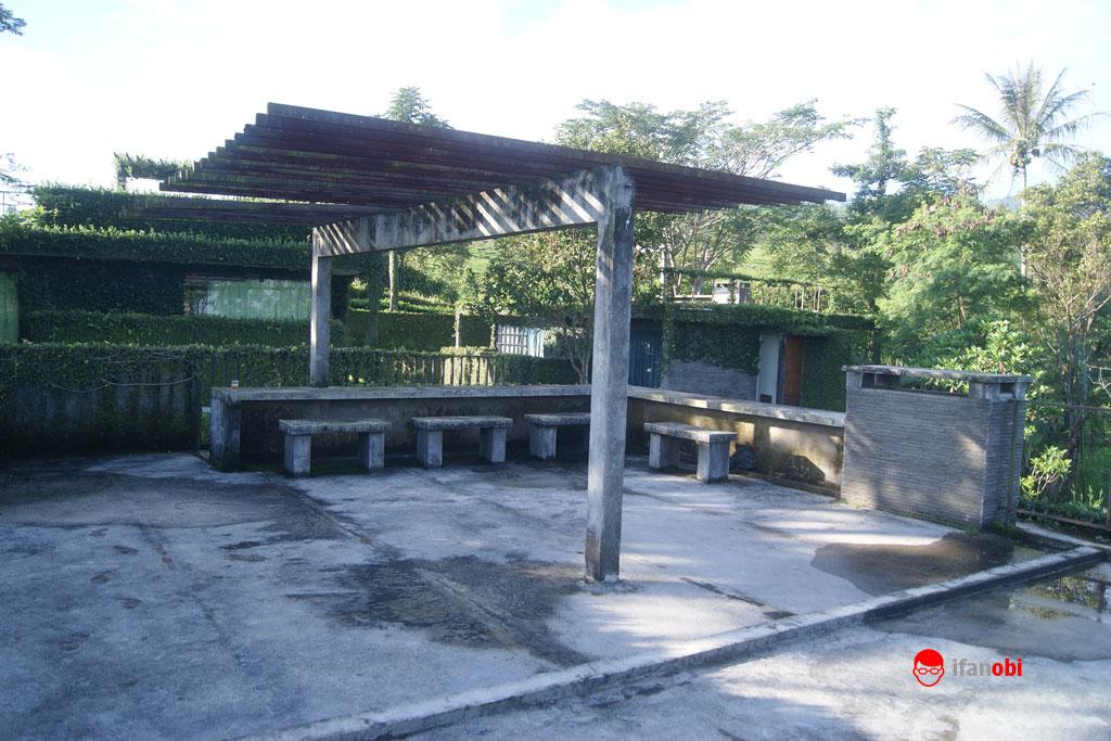 teras balkon di Tea Garden Resort