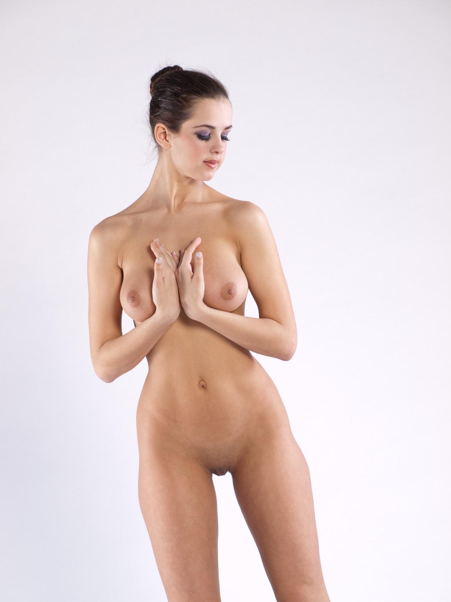 foto-golih-samih-visokih-devushek