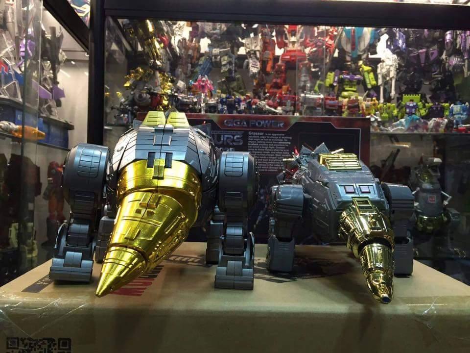 [GigaPower] Produit Tiers - Jouets HQ-01 Superator + HQ-02 Grassor + HQ-03 Guttur + HQ-04 Graviter + HQ-05 Gaudenter - aka Dinobots - Page 4 KA3Ud3RR