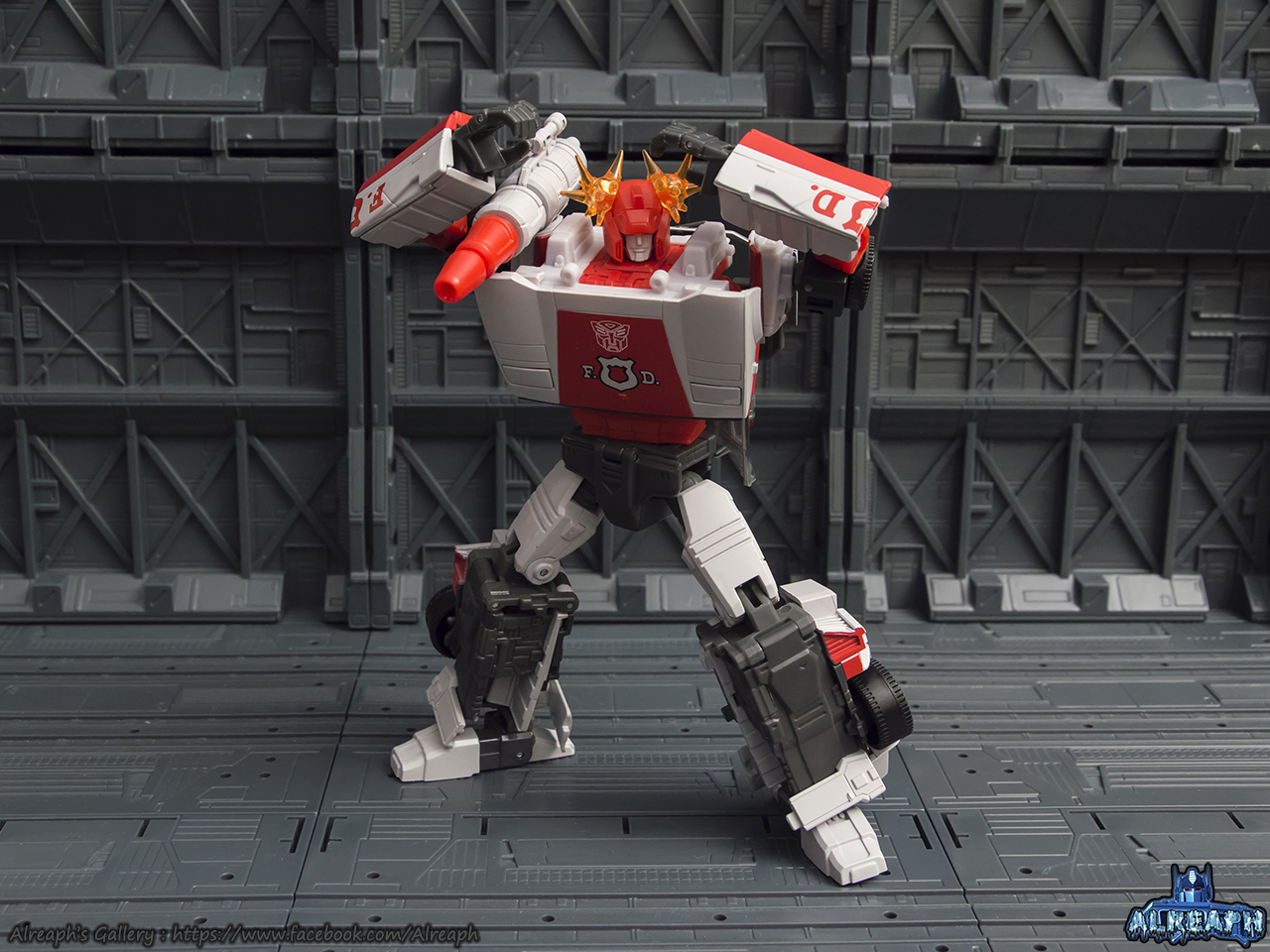 [Masterpiece] MP-14 Red Alert/Feu d'Alerte - Page 2 3Xew5u8S