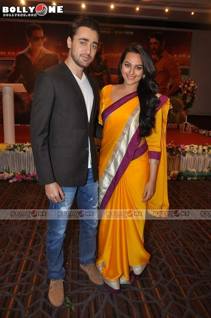 Sonakshi and Imran on the sets of CID to Promote 'Once Upon a Time in Mumbaai Dobara' 12 images.txt AdtjUhgY