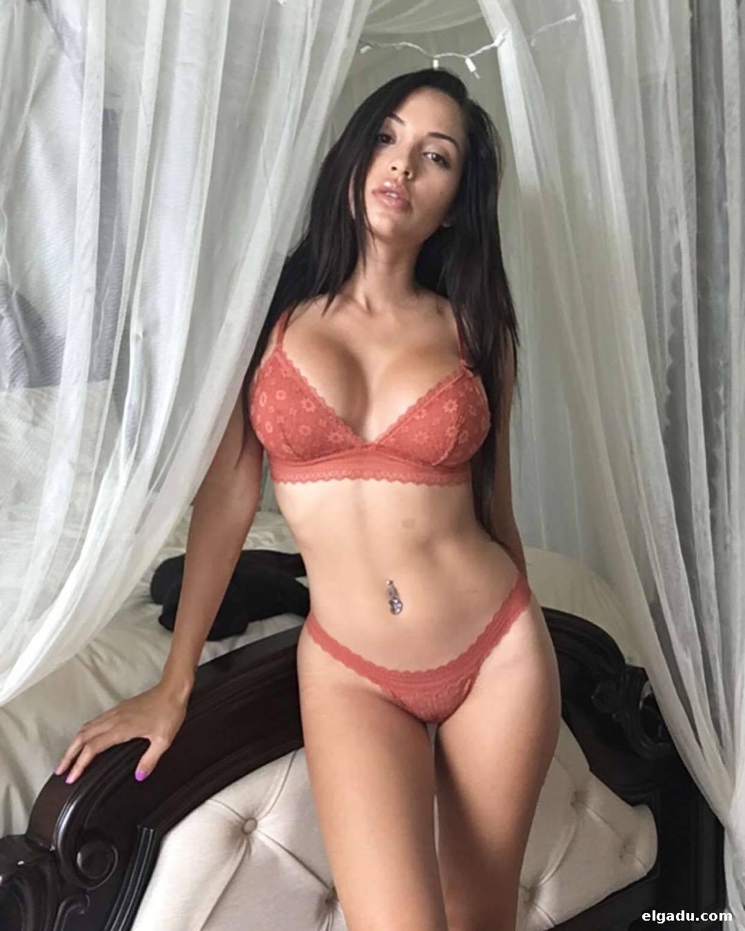 Flaca desnudandose y masturbandose para ti slim undresing - 3 part 7